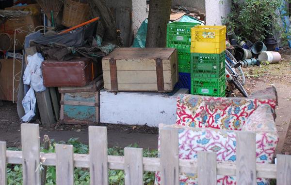 sm_green yellow milk crate
