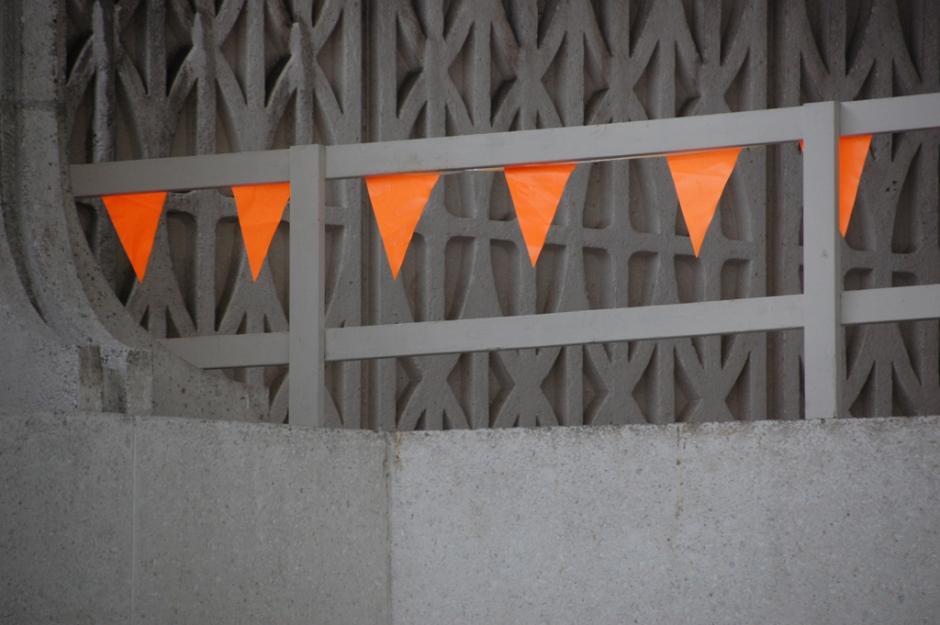sm_orange_flags