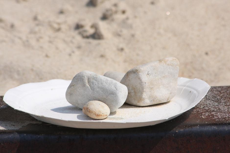 10Doug_stones