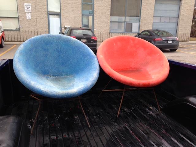 25_Barabara_two chairs