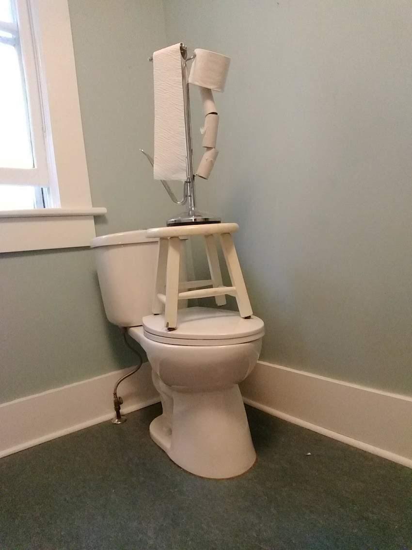 20_BL_toilettower