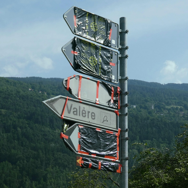 07_maximilien_urfer_signs